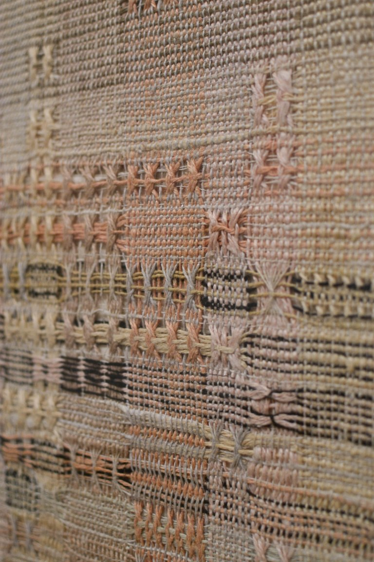15- Anni Albers- Development in Rose I (1952) Detail